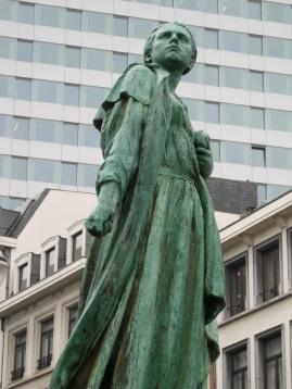 Gabrielle Petit statue in Brussels close up